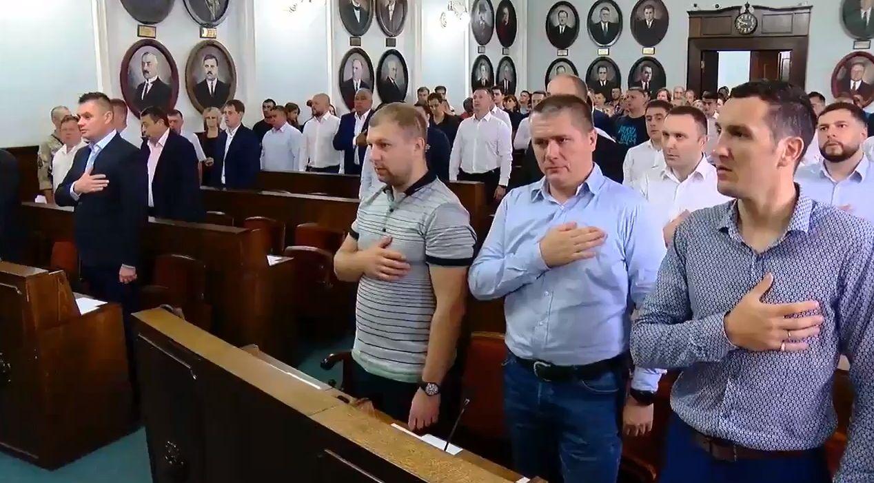 Чернівчани вимагають позачергових виборів до міської ради – петиція