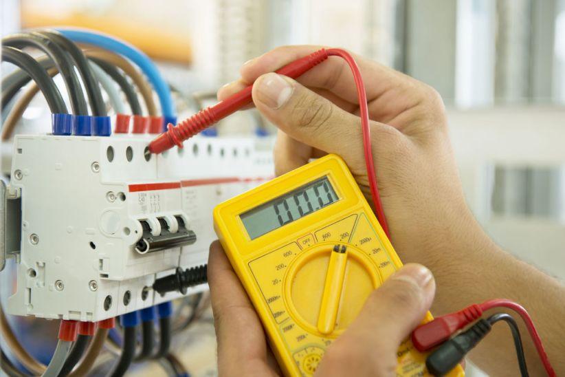 Увага! 31 липня у Чернівцях відключатимуть електроенергію (графіки)