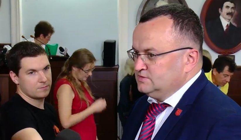 У Чернівецькій міськраді готуються до голосування за відставку мера: фото бюлетеня