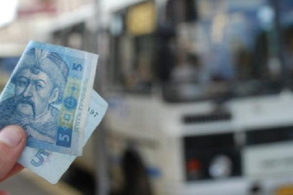 Сьогодні виконком може підвищити вартість проїзду у маршрутках Чернівців
