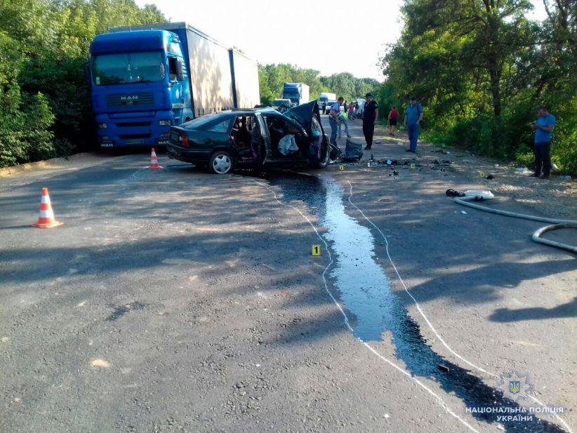 ДТП на Хотинщині: одна людина загинула, 7 травмовано