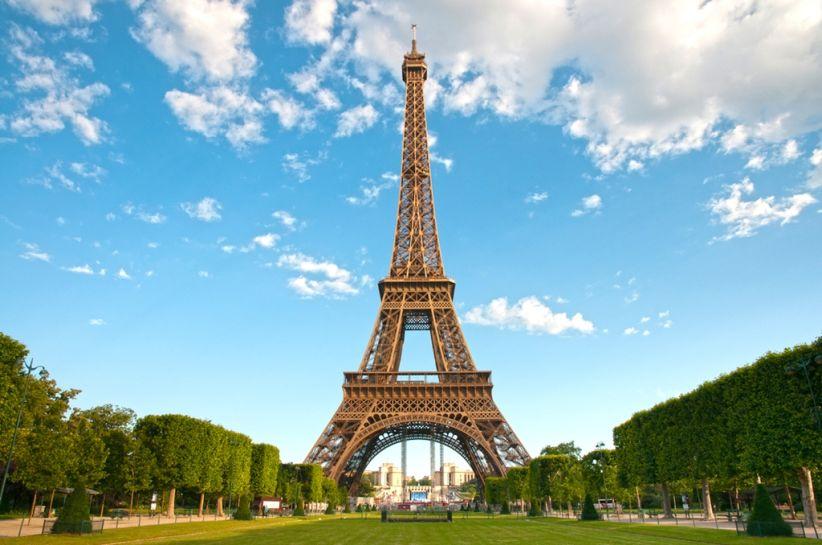 Ейфелева вежа закрита для відвідувачів через страйк
