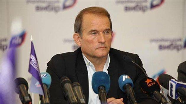 """Віктор Медведчук погрожує через суд заборонити показ стрічки """"Стус"""""""