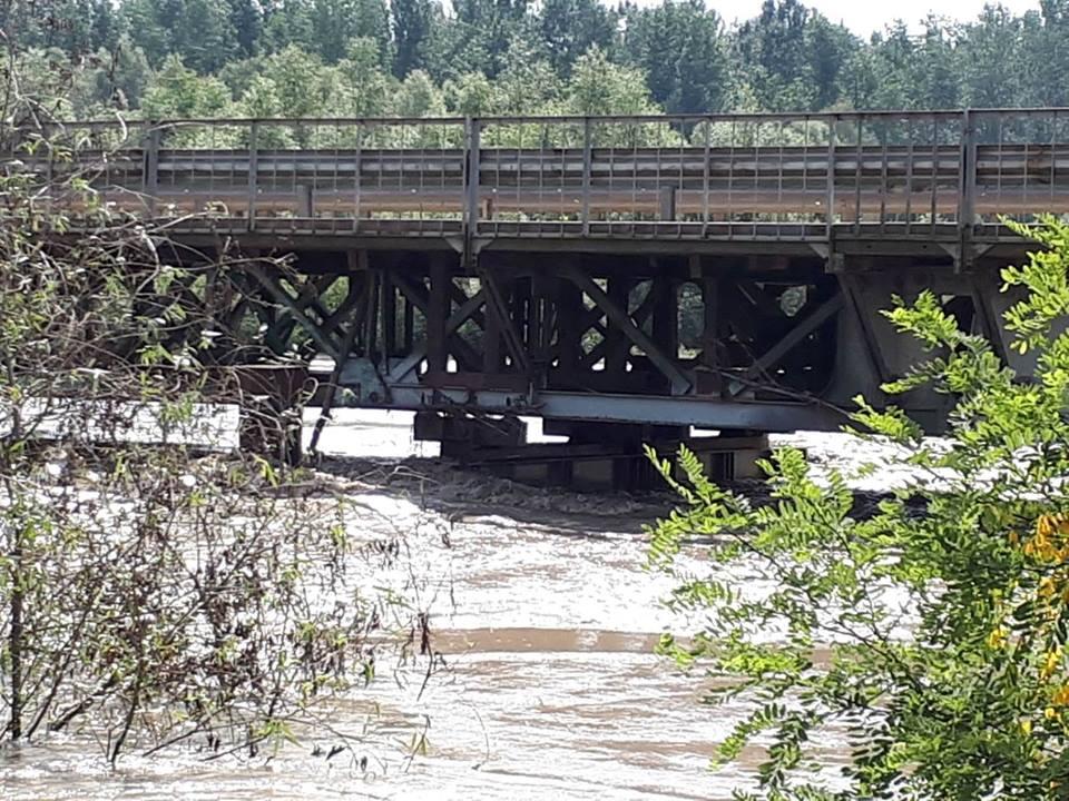 Проїзд по Герцаївському мосту відкрито