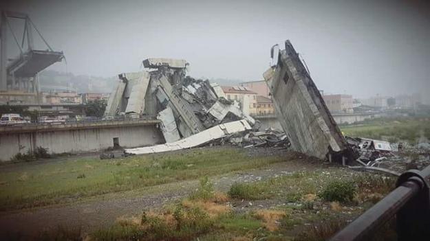 Обвал мосту в Генуї: в італійському МВС повідомили про 31 жертву