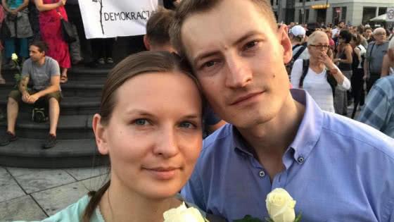 Польща депортувала українку через політичну діяльність чоловіка