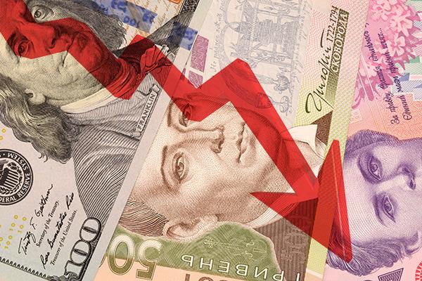 В обмінниках дешевшає євро, але дорожчає долар