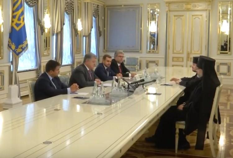Україна наблизилась до отримання автокефалії – Порошенко