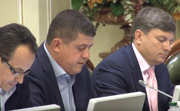 Максим Бурбак: СБУ має розслідувати антидержавну діяльність Медведчука