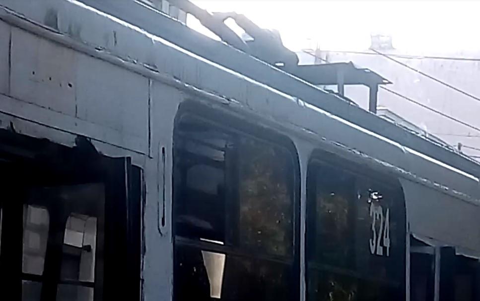 У ЧТУ прокоментували вчорашнє загоряння тролейбуса у Чернівцях