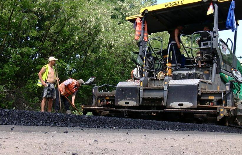 На Буковині освоєно 85% коштів на ремонт місцевих доріг