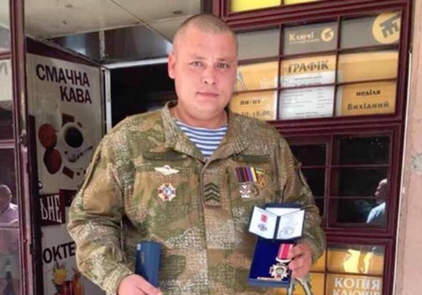 Бійця Романа Карнауха, який помер у лікарні в Чернівцях, поховають у суботу