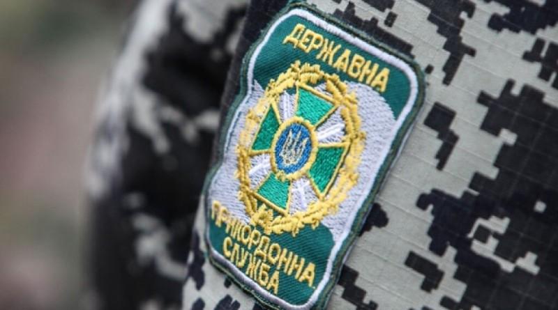 На Путильщині п'яний чоловік поранив ножем сусідку