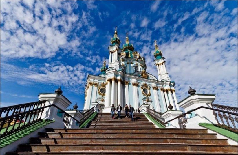 Президент України пропонує передати Андріївську церкву Вселенському патріарху