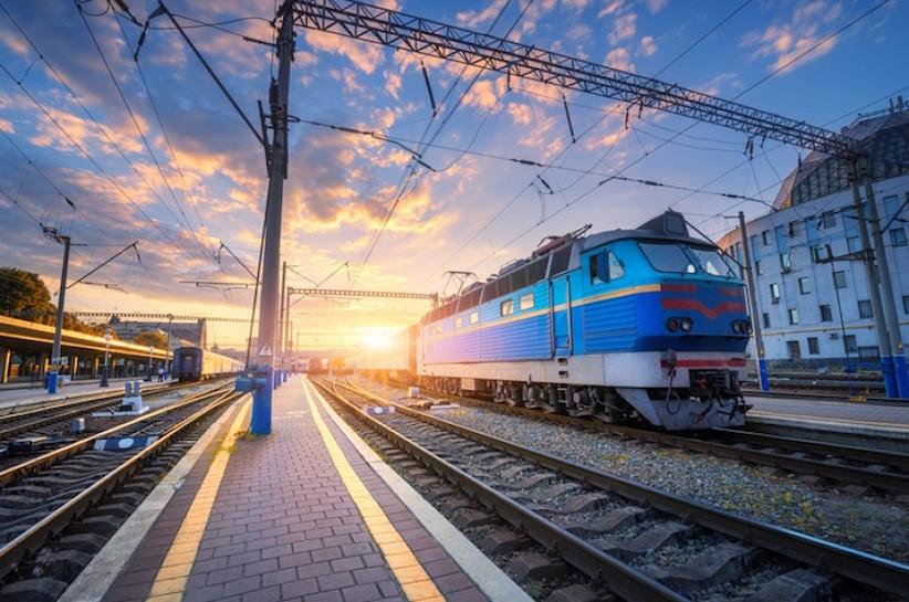 """Можуть зупинитися всі види перевезень: працівники """"Укрзалізниці"""" планують страйк"""