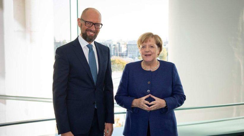 Канцлер Німеччини Ангела Меркель реально підтримує Україну – Яценюк
