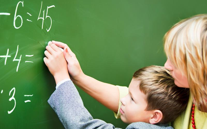 Сьогодні в Україні відзначають День учителя
