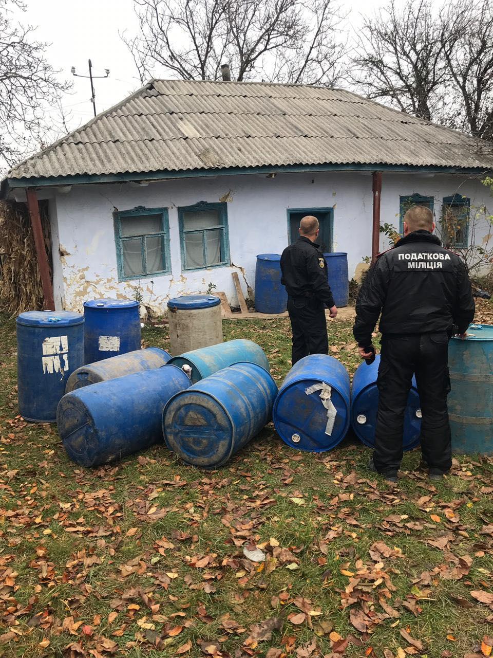 Правоохоронці Буковини перекрили канал постачання контрафактного спирту