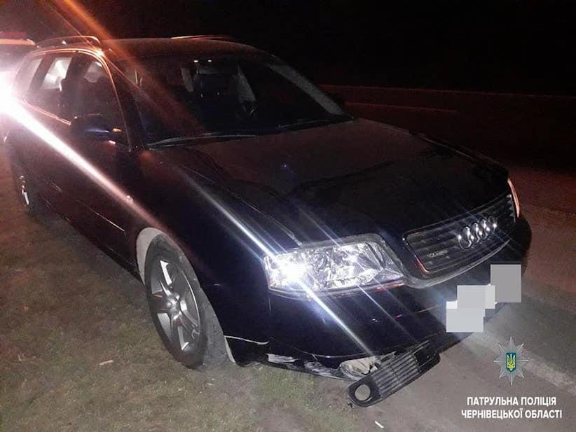 Поліцейські відшукали дві автівки, які минулої ночі викрали у Чернівцях