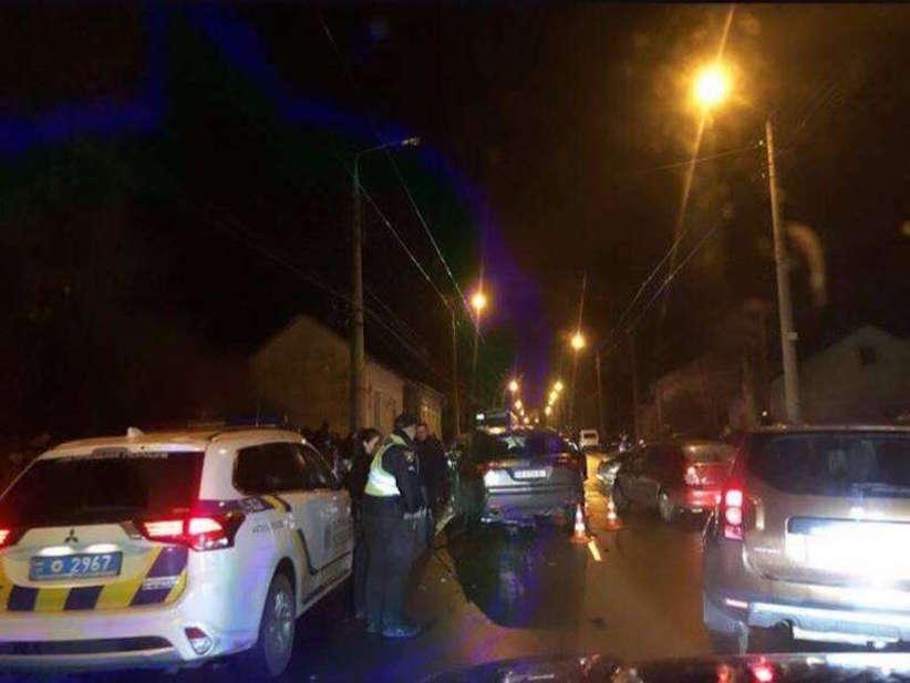 У Чернівцях на вулиці Руській зіткнулися три автівки