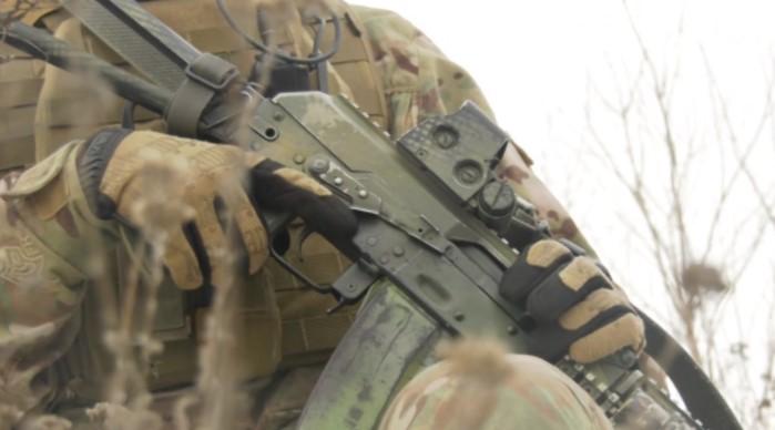 Один загиблий та 10 поранених: бойовики обстріляли позиції ООС на Донбасі
