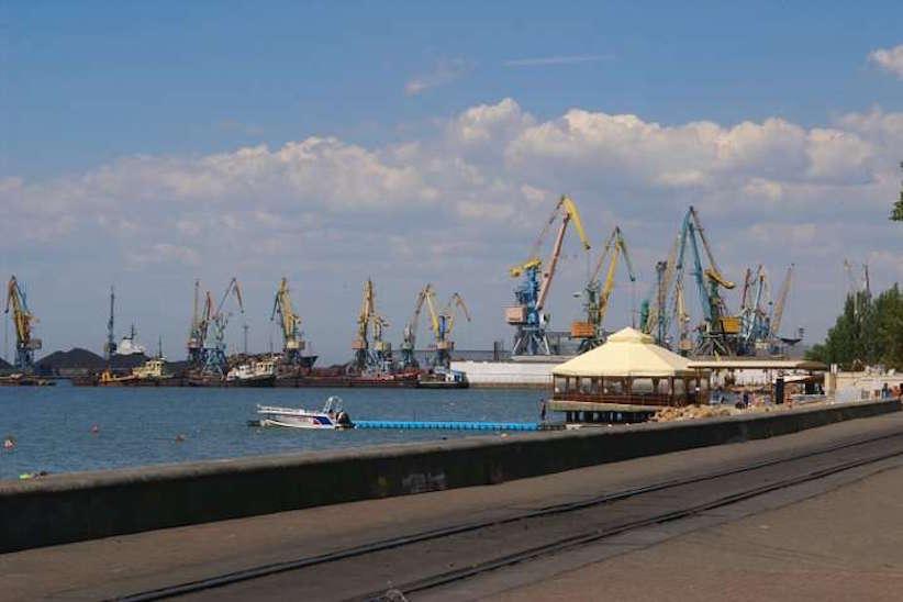 РФ заблокувала українські порти, у черзі стоять 35 суден – Мінінфраструктури