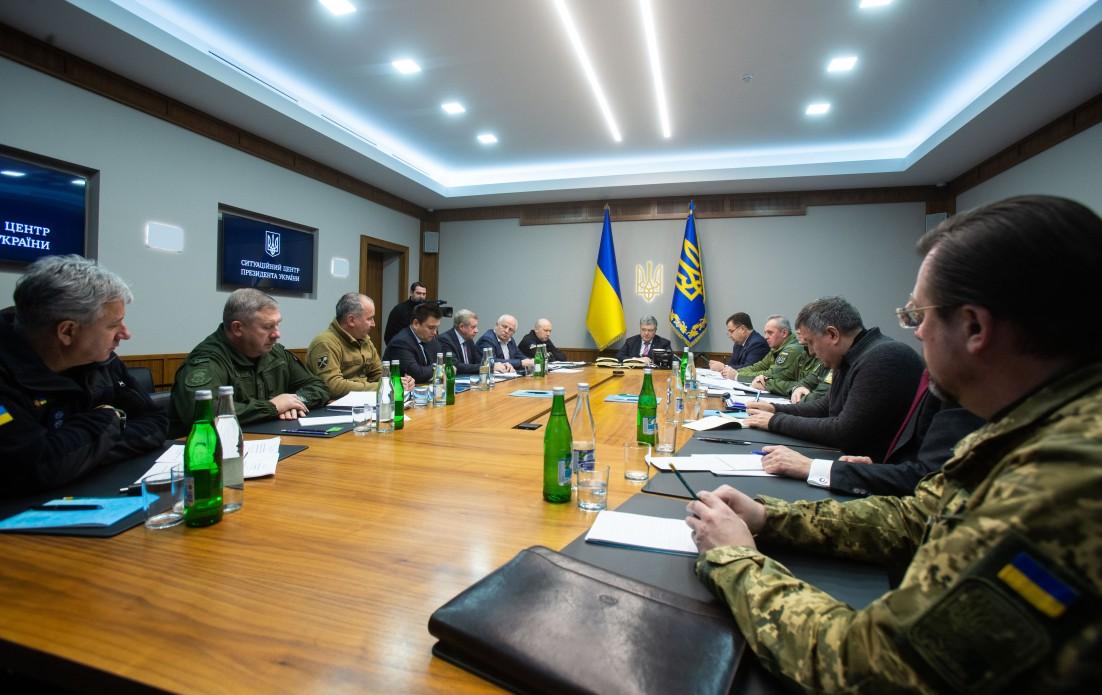 Воєнний стан в Україні не торкнеться жодної цивільної людини – Порошенко