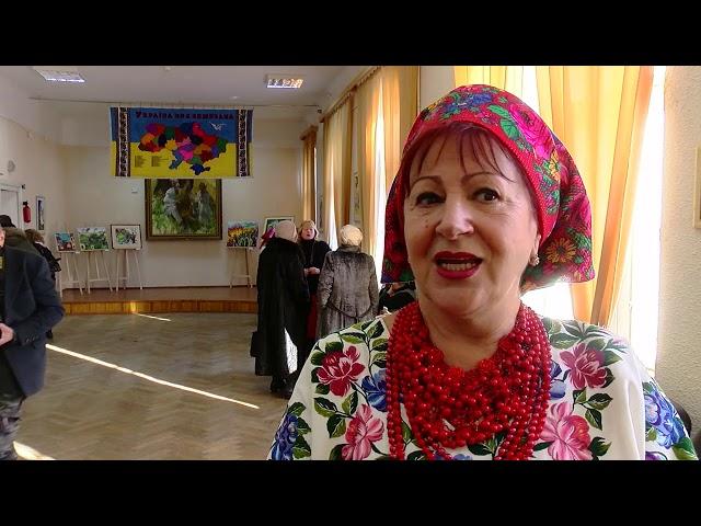 До Чернівців привезли карту України, яку вишивали понад 7 тисяч майстринь