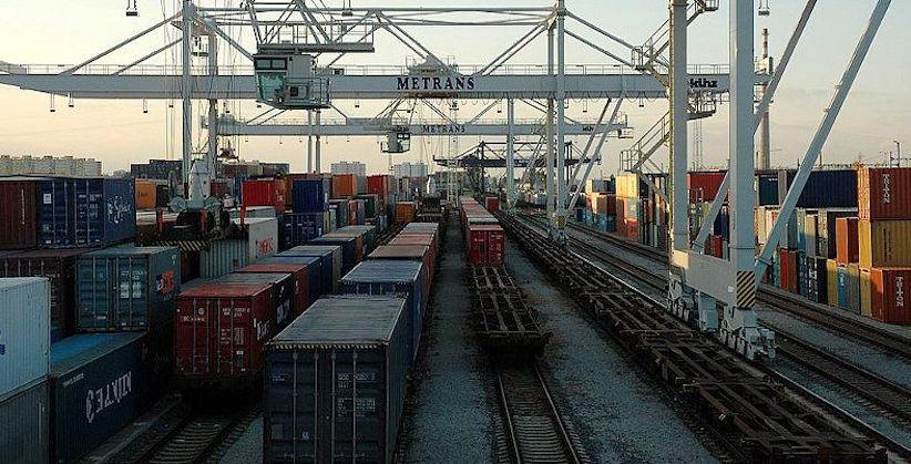 Імпорт товарів в Україну суттєво перевищив експорт