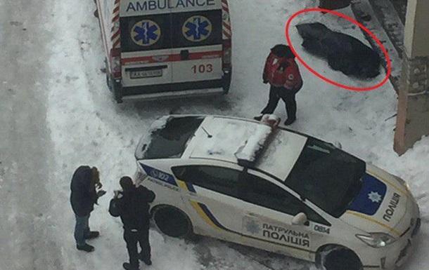У Києві через ожеледицю загинула людина – ЗМІ