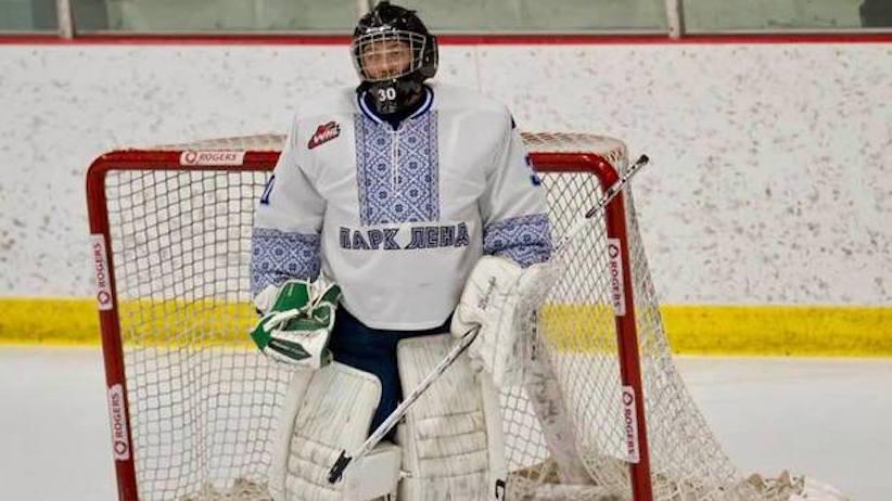 У Канаді хокеїсти вийшли на матч в українських вишиванках (відео)