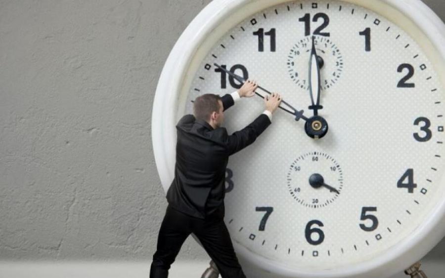 Верховна Рада може скасувати переведення годинників на літній час