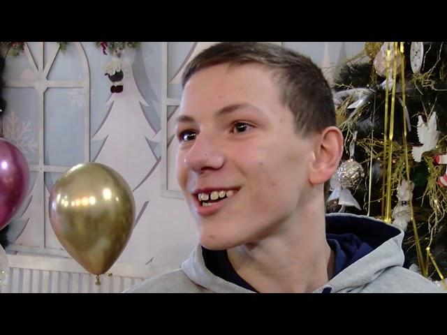 """У Чернівцях для діток з інвалідністю влаштували фестиваль"""" Зоряні надії"""""""