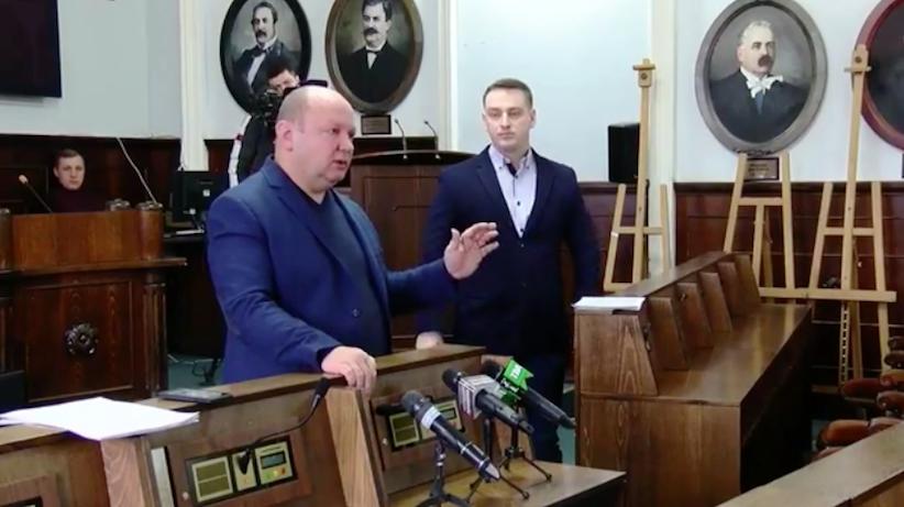 Продан не зміг відповісти, хто ж платитиме за вивезення снігу з вулиці О. Кобилянської