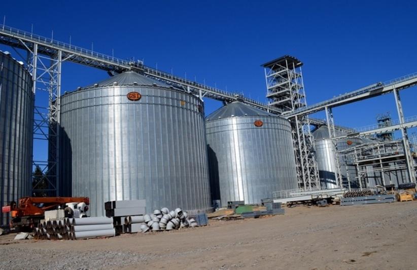 """Нардепи скасували """"податок на інвестиції"""" для українських аграріїв"""