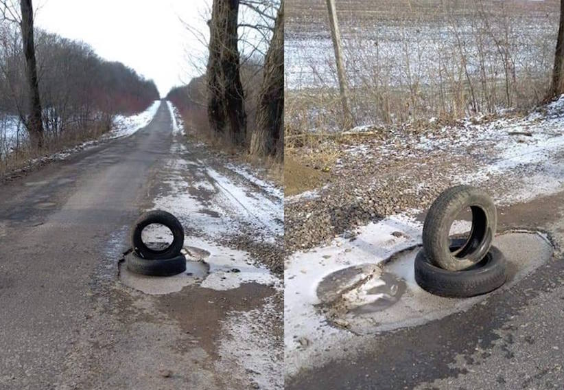 Вибоїни на дорогах: буковинці самостійно позначають небезпечні ділянки на автошляхах