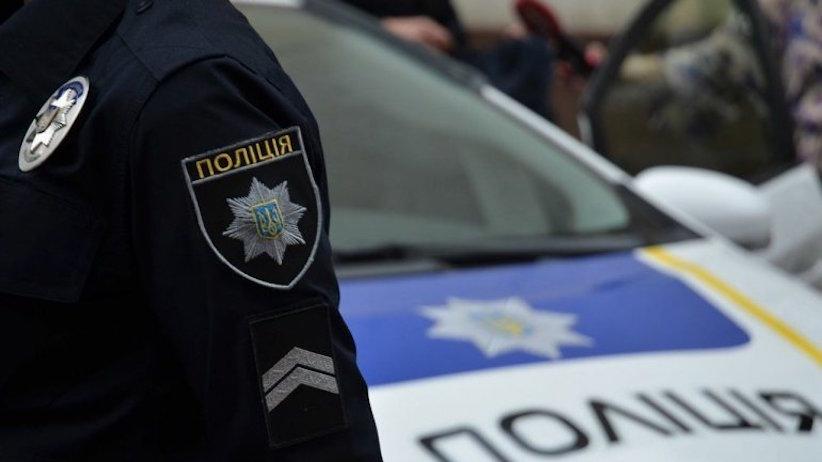 У Кельменцях підліток з матір'ю напали на дільничного