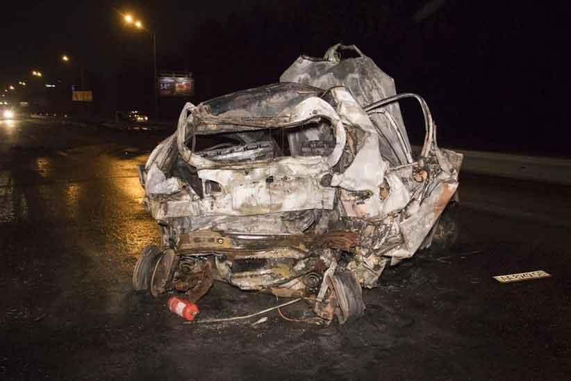 У жахливій ДТП у столиці згоріла пасажирка таксі