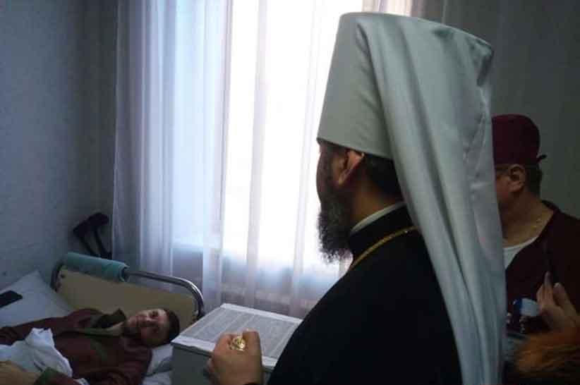 У Чернівцях Глава ПЦУ Епіфаній провідав у госпіталі поранених військових
