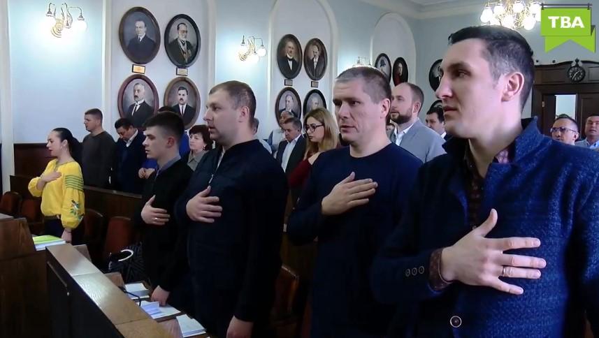 Депутати Чернівецької міськради зберігають вдома понад 90 мільйонів гривень – МБ
