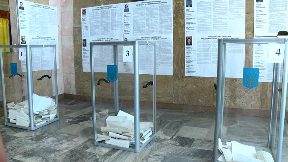 Поліцейські несуть службу в посиленому режимі: на Буковині в трьох ОТГ обирають депутатів