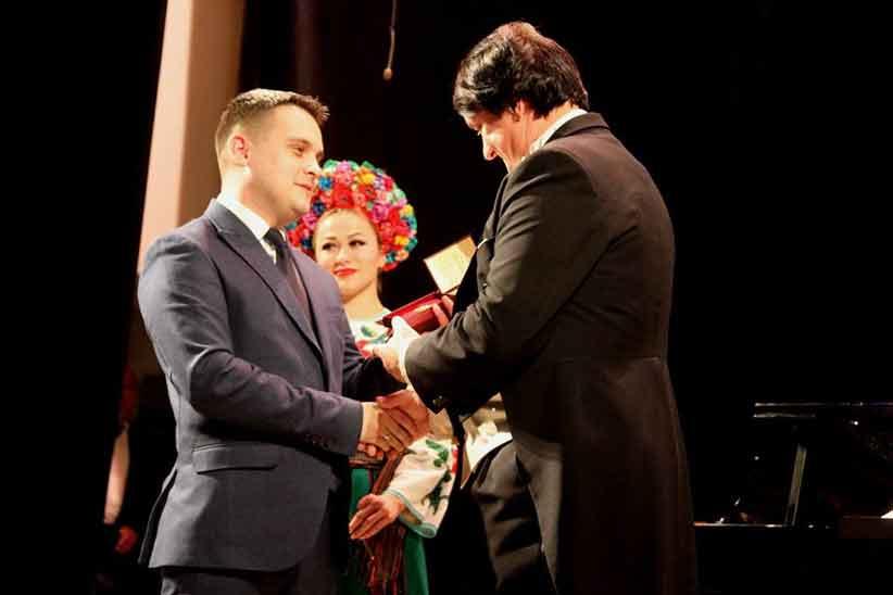 Видатним буковинцям вручили державні нагороди та відзнаки