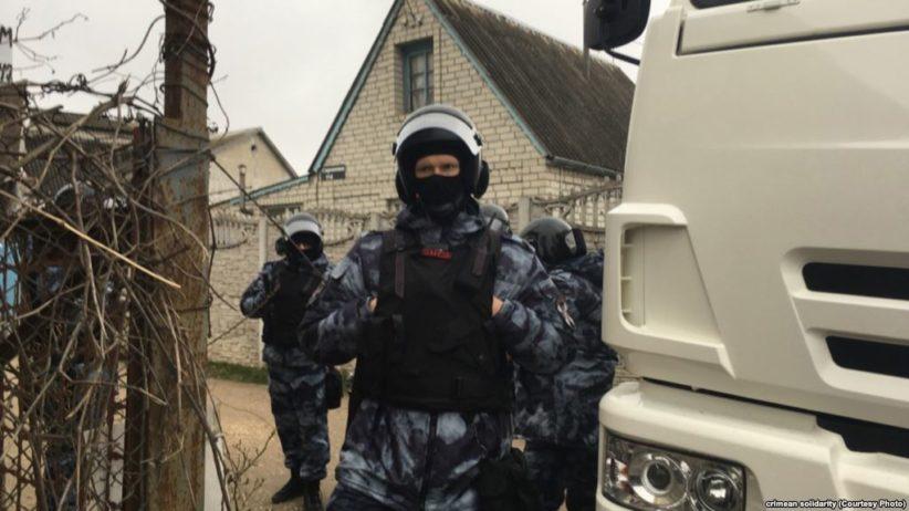 ФСБ проводить масові обшуки та затримання в окупованому Криму
