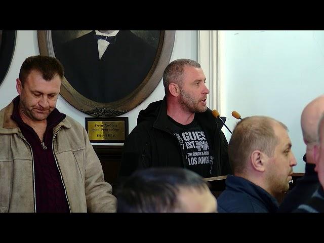 Військовослужбовці звинуватили депутатів Чернівецької міськради у дерибані землі