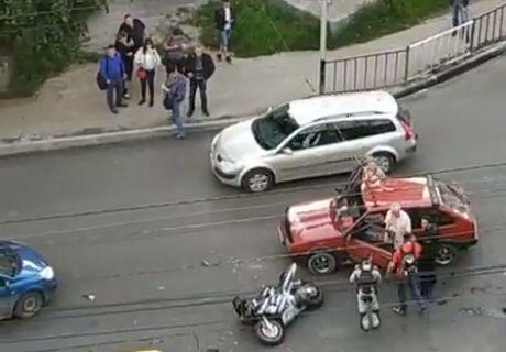ДТП в Чернівцях: на Героїв Майдану не розминулися мотоцикл і легковик