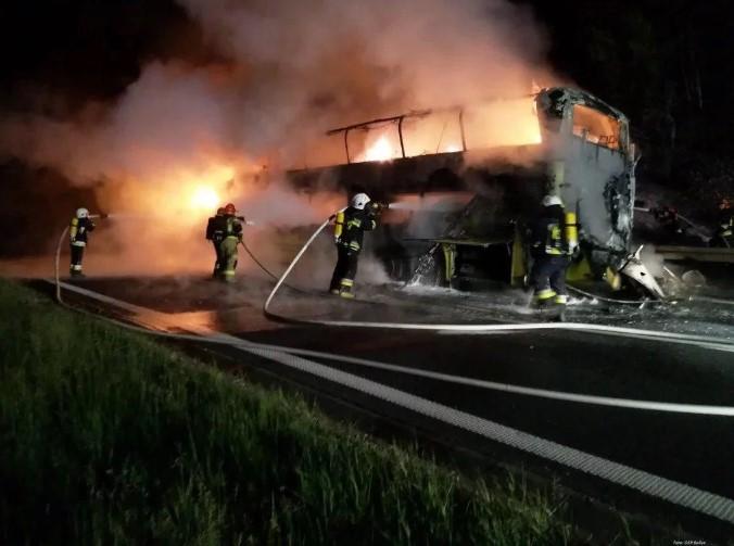 У Польщі вщент згорів автобус Київ – Прага