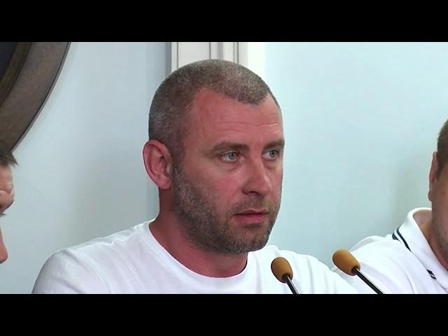 Депутати Чернівецької міськради відступили під натиском громади