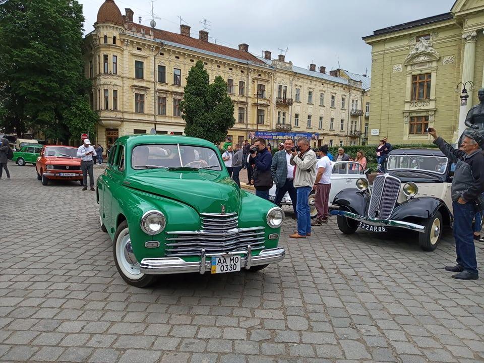 У Чернівцях уперше відбувся фестиваль «Bukovina Old Car 2019»