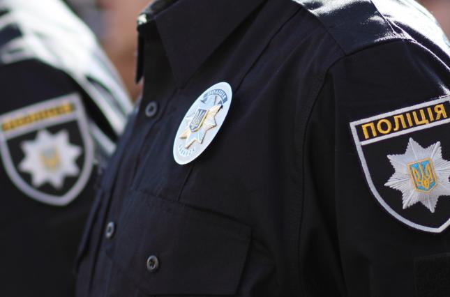 Поліція Кіцманського відділу задокументувала незаконне вирощування нарковмісних рослини