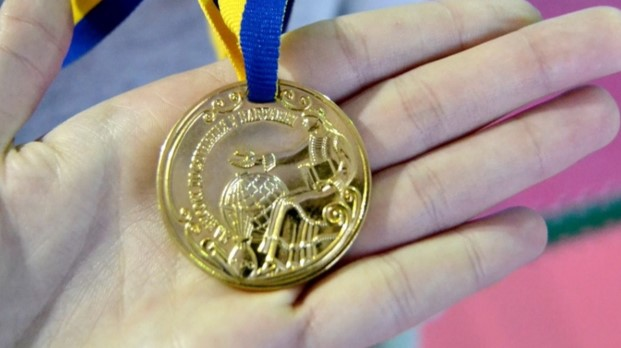 Стало відомо, коли у Чернівцях нагороджуватимуть випускників-медалістів